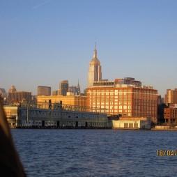 Az Empire State Building a Harbor Light Cruise-ról