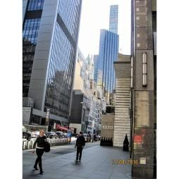 A távolban a 432 Park Ave., a legdrágább és legmagasabb apartman-ház