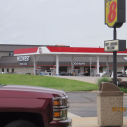 Középnyugati bevásárlóközpont