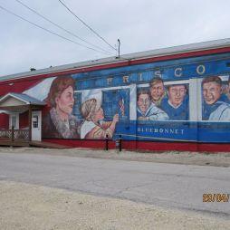 Mural Painting, Cuba. A Gold Star Boys elnevezés onnan ered, hogy amikor egy katona elestét hírül vette a családja, akkor egy arany csillagot tettek ki a ház ablakába.