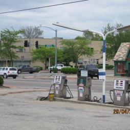 Fourway, szemben egy öreg benzinkút