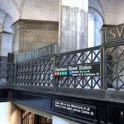 A Municipal Bldg. (NYC Önkormányzat) elsőként kapott saját subway-állomást