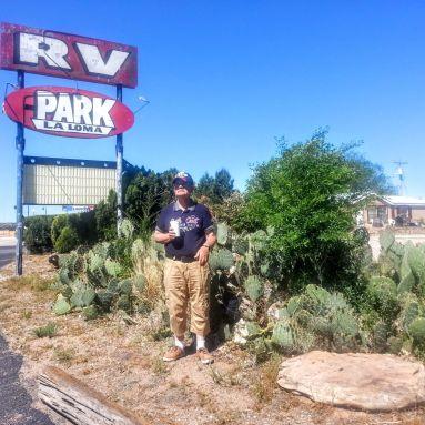 RV Park (recreational vehicle park) azaz lakókocsi park a közelben. A Lalinak a kaktuszok jobban tetszettek