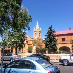 San Felipe de Neri, épült 1719-ben, de egy hatalmas esőzés következtében 1792-ben összeomlott. A templomot a következő évben újjáépítették ill. a tornyok 1861-ben készültek el. Az épülethez tartozó iskola és kolostor 1878-1881 között épült. A névadó Filip, spanyol király volt.