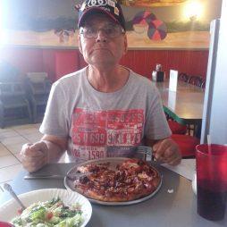 Lali pizzázik