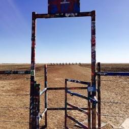 A Cadillac Ranch bejárata