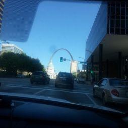 Úton a Gateway Arch-hoz
