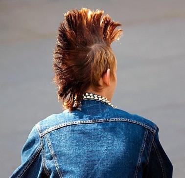 Egyszerű Mohawk hajviselet