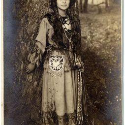 Ah Weh Eyu Pretty Flower, 1908.