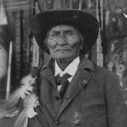 Geronimo, 1909.