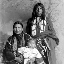 Little Dog és családja, Oglala (nincs dátum).