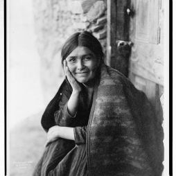 Navaho Smile 1904, Fotó: Edward Curtis, Library of Congress