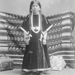 Nettie Morris, Nez Perce törzs, 1900.