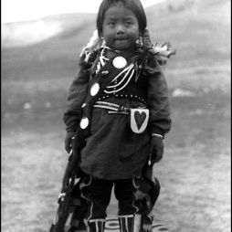 Nez Perce fiú, Colville Indian Reservation, WA ca. 1903.