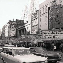 1965-ben 7th Ave. pornómozikkal.